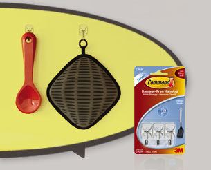 Hang potholders and utensils on Command™ Utensil Hooks, keeping them within reach when you need them.